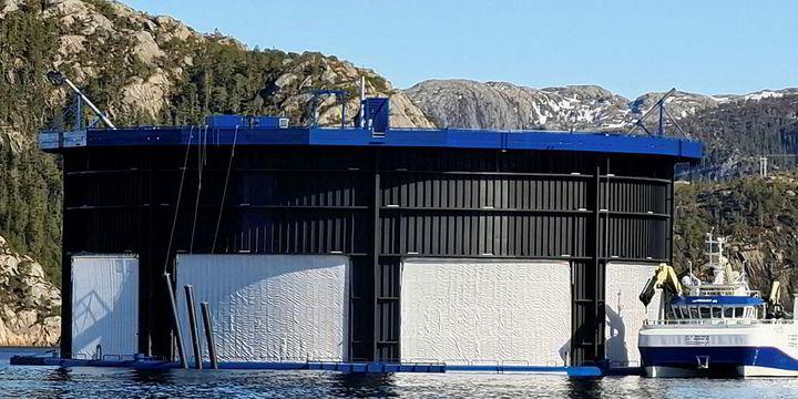 Aquatraz - semi lukket merdteknologi - i media