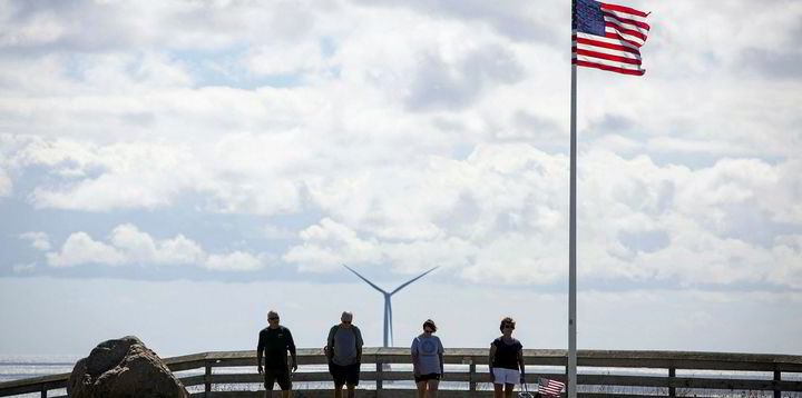 America first offshore wind farm faces shutdown after cables  not buried deep enough